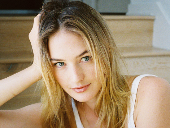 From Victoria's Secret Model to Entrepreneur: What Sanne Vloet Wants You to Know About Her New Vegan CBD Skin-Care Line Izé