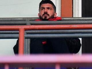 Ronaldo misses penalty but Juventus beats Chievo 3-0