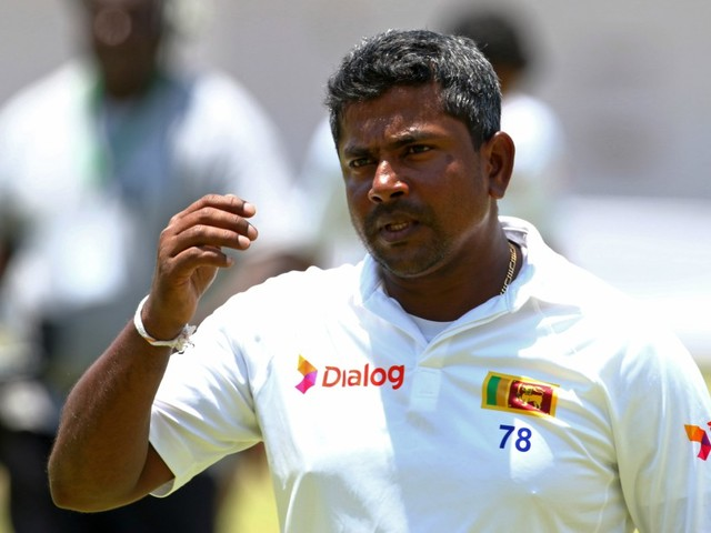 Herath five-for wraps Zimbabwe up for 356