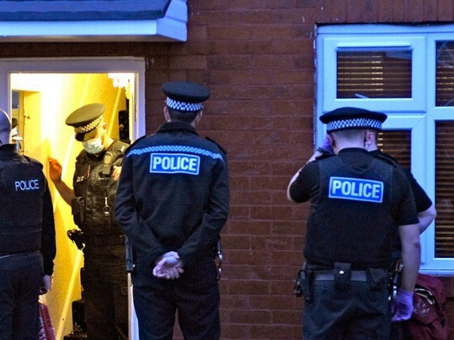 Police in England can raid Christmas dinners to enforce Covid rules
