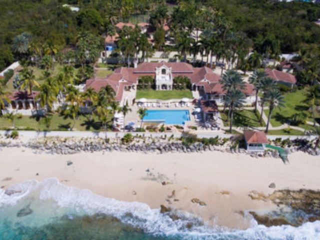 Hurricane Irma Slams Into Mansion Donald Trump Is Trying To Sell