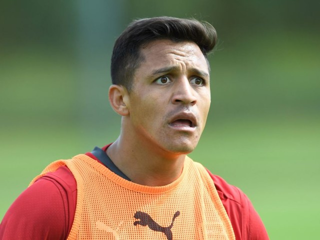 Arsene Wenger sends message to Alexis Sanchez after failed Manchester City transfer