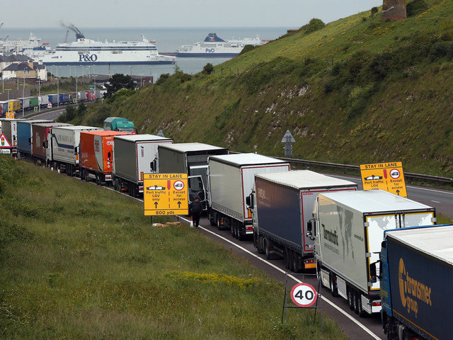 Brexit Could Leave 'Food Rotting At The Border', Warn MPs