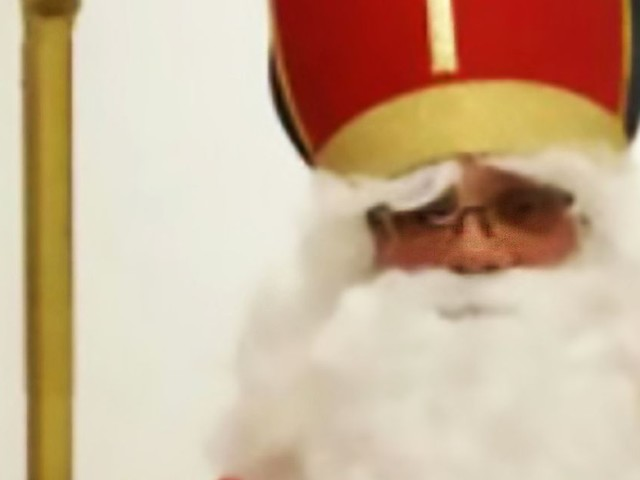 Santa Claus pulled over by traffic cops as his festive outfit breaks laws banning the burqua