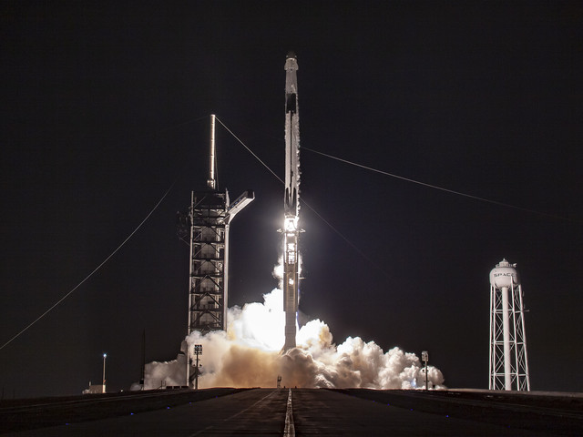 SpaceX Crew Dragon: test mission capsule docks with ISS