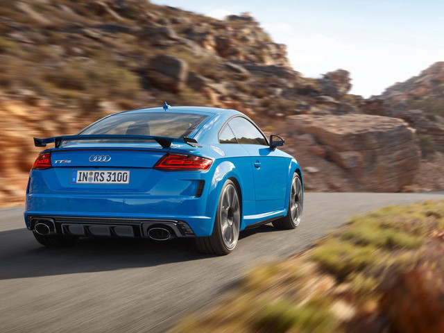 Audi unveils lightly facelifted TT RS