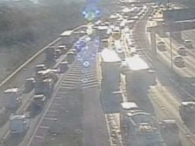 LIVE: Queuing traffic and delays on M60 near Salford after 'police incident'