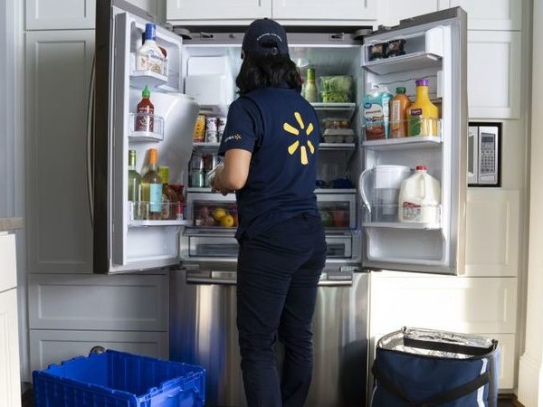 In-Fridge Home Grocery Deliveries - Walmart Will Now Put Your Groceries Directly into Your Fridge (TrendHunter.com)