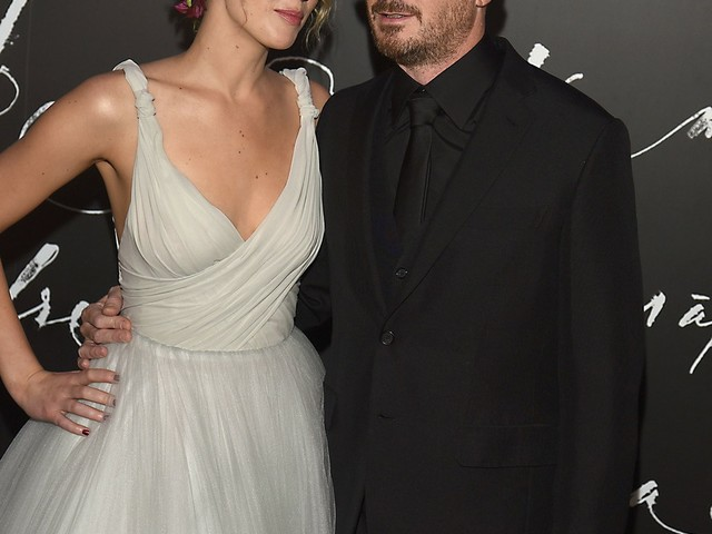 Jennifer Lawrence & Darren Aronofsky split, will no one think of the Oscar campaign?!