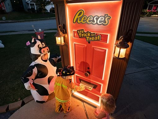 Reese's builds a robotic DOOR that will dispense king-size candy contact-free on Halloween