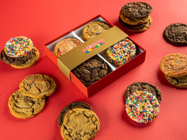 Freshly Baked Cookie Boxes - Great American Cookies' Custom Boxes Share a Dozen Cookies (TrendHunter.com)