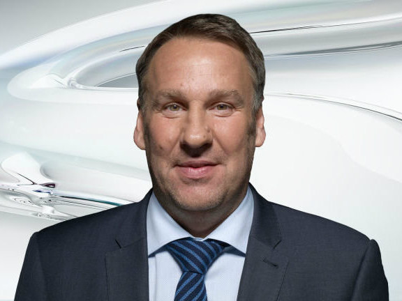 """""""All Over The Place"""" – Paul Merson Offers His Prediction For Bournemouth vs Man Utd"""