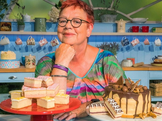 Is Bake Off: An Extra Slice returning to Channel 4, is Jo Brand hosting and who are the special guests?