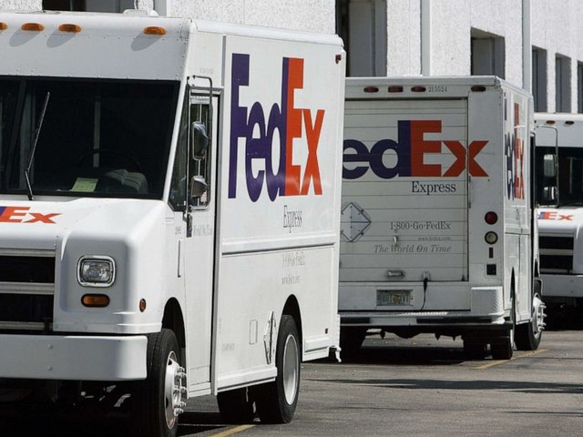 New fraudulent text message claims to contain FedEx package information