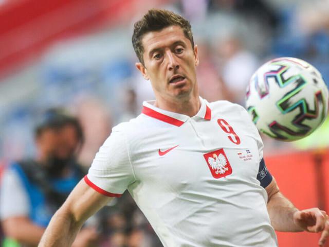 Can Inter Milan's star defender keep Bayern Munich's legendary striker at bay at Euro 2020?
