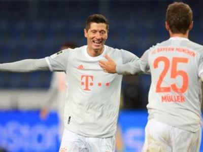 Lewandowski completes Bundesliga full house as Bayern win at a canter