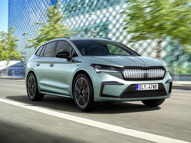 Skoda Enyaq iV: first examples of electric SUV leave factory