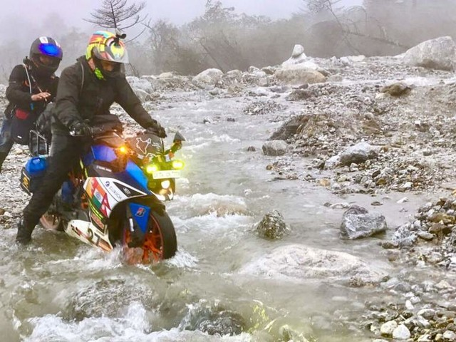 Extreme trio ride (Nepal –Sikkim- Bhutan): 8 bikers on a 17 day road trip