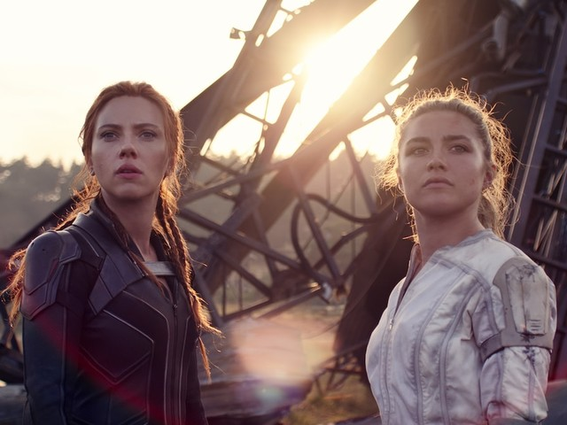 'Black Widow': Scarlett Johansson and Florence Pugh Slide Down Russian Rooftops in Slick Chase Scene (Video)