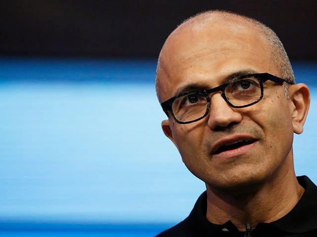 A big new deal with Salesforce shows Microsoft is 'on the offensive' in the cloud wars, even as it puts Amazon under pressure for trying to 'go it alone' (MSFT, AMZN)