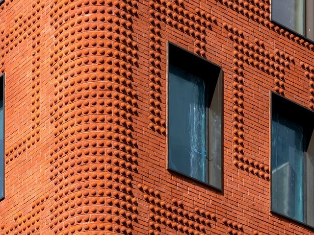 Bricks Return With Style in New High-End Buildings
