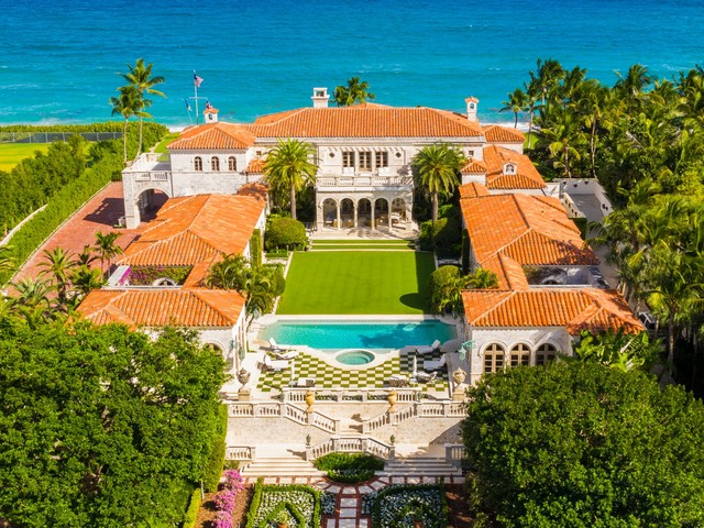 A sprawling Florida mansion right down the street from Mar-a-Lago just sold for more than $110 million, and it broke a real-estate record Trump set back in 2008