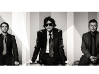 Manic Street Preachers Share Video For New Single Distant Colours