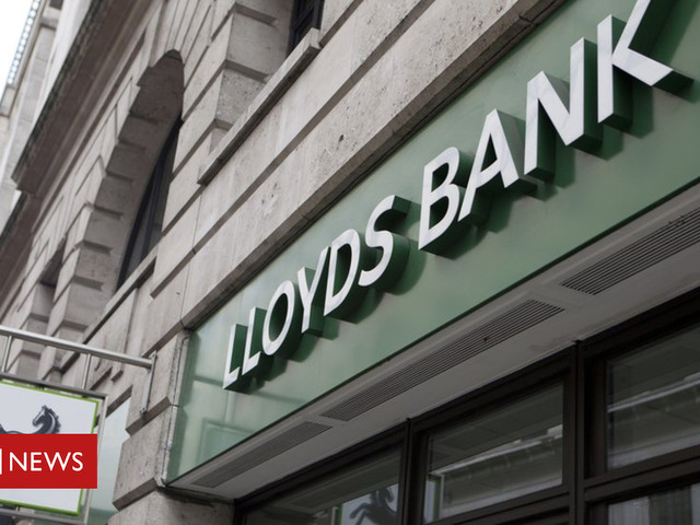 Lloyds customers hit by online banking woes