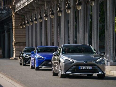 Toyota Mirai sets hydrogen range record