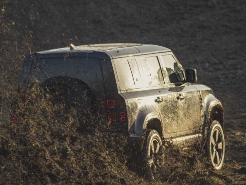 Watch The New Land Rover Defender Perform In The Upcoming Bond Movie's BTS Footage