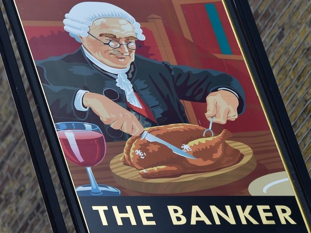 The average British banker got almost £15,000 in bonuses last year