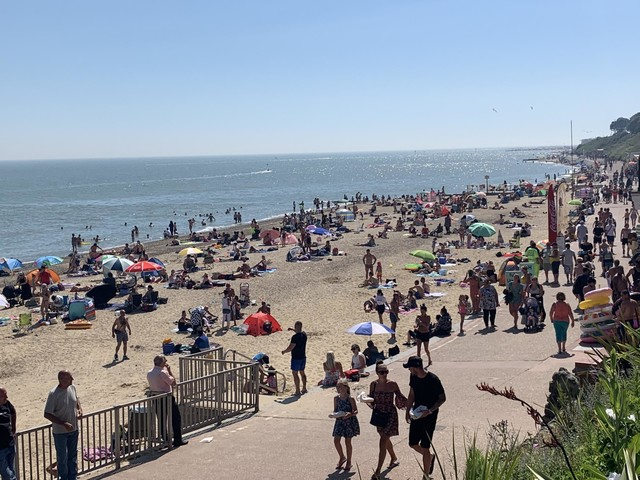 Essex beaches busy as people enjoy sizzling 29C temperatures
