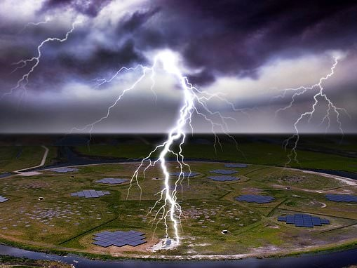 Highly charged particles in thunderclouds aren't all released at the same time