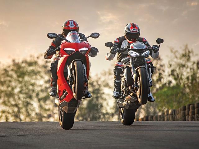 Review: Ducati Panigale V2 vs Triumph Street Triple RS comparison