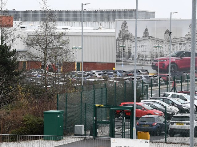 Thousands of agency workers at Jaguar Land Rover plants set to lose jobs