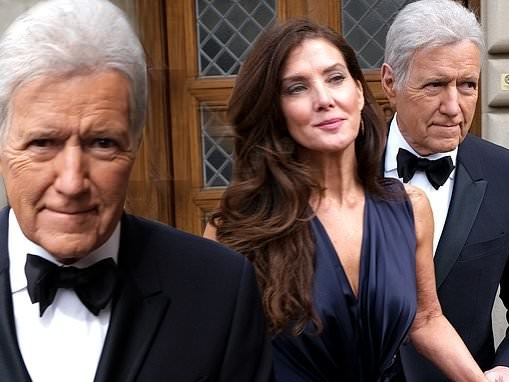 Alex Trebek escorts wife Jean to Daytime Emmy Awards after diagnosis with stage 4 pancreatic cancer