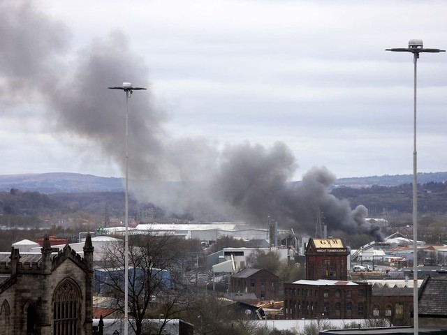 Eight fire crews called to tackle huge blaze in Salford