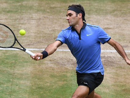 Federer thrashes Zverev to win ninth Halle title