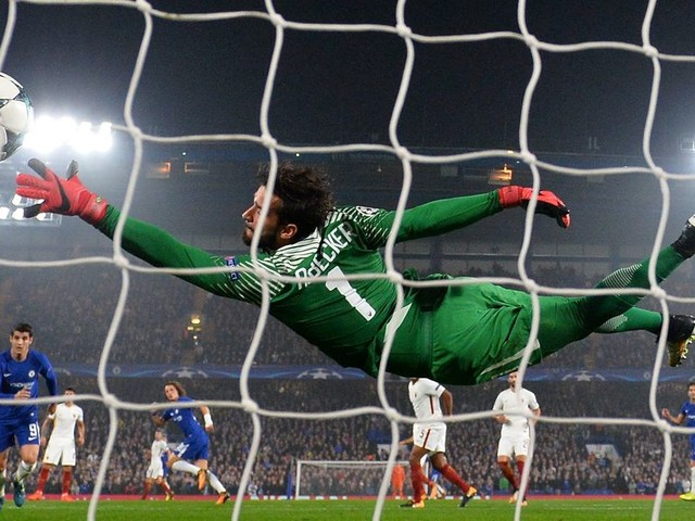 Chelsea make €60m opening bid for AS Roma goalkeeper Alisson — reports