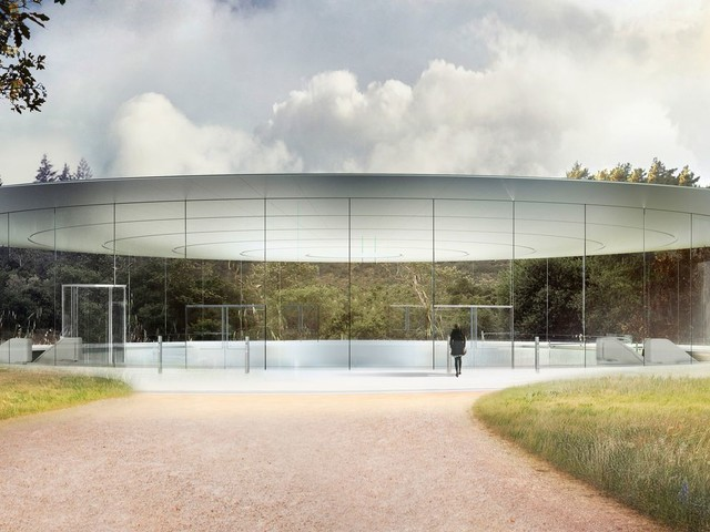 The Week in Tech: Apple Park, the Academy Awards, iPhone 8 News