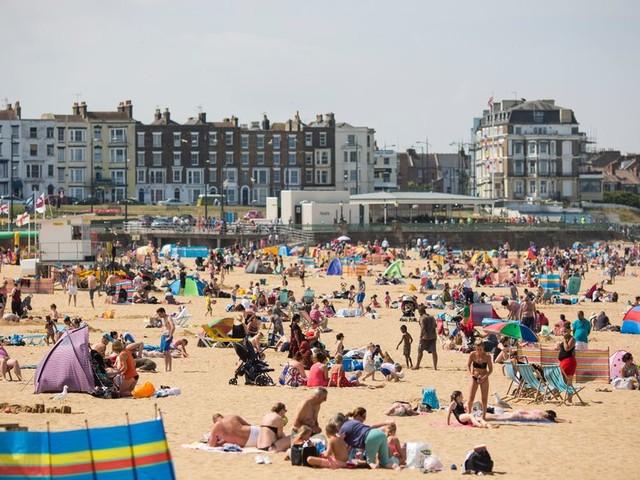 UK weather forecast: Sunshine set to return after Storm Ernesto wind and rain - but bank holiday still 'uncertain'