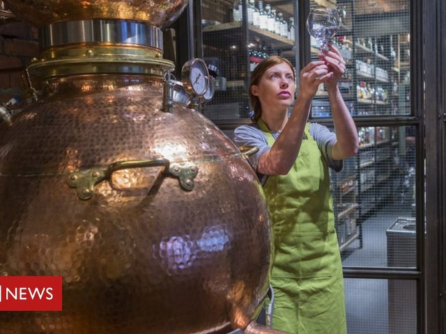 Hinch Distillery: Whiskey and gin production set to create 40 jobs