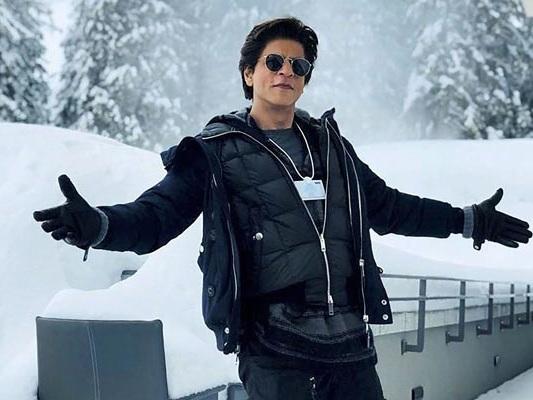 Shah Rukh Khan Receives Crystal Award At World Economic Forum In Davos