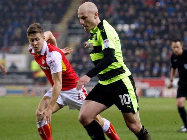 Man City loan star Aaron Mooy earns more acclaim