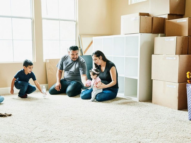 A financial planner lays out 5 steps you should take today if you want to buy your first home