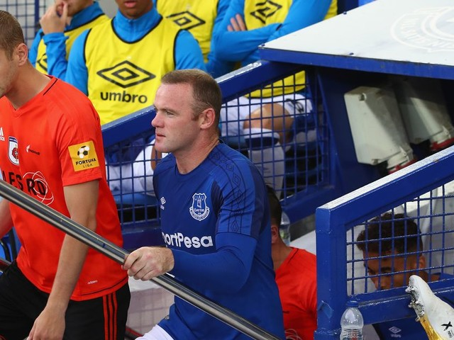 Wayne Rooney admits he was forced to fight emotions on return to Goodison Park