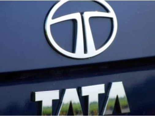 Tata Motors Supports Truckers By Providing Them With Food And Medical Supplies Across India