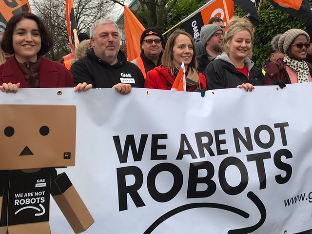 Amazon workers strike on Black Friday over working conditions