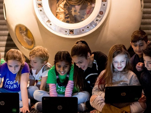 Moonhack breaks a world record for kids coding, again
