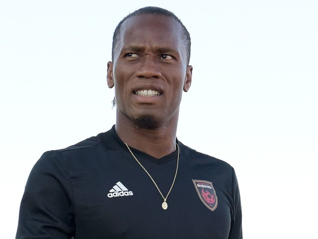 Didier Drogba bestows some veteran advice after Chelsea's opening day disappointment